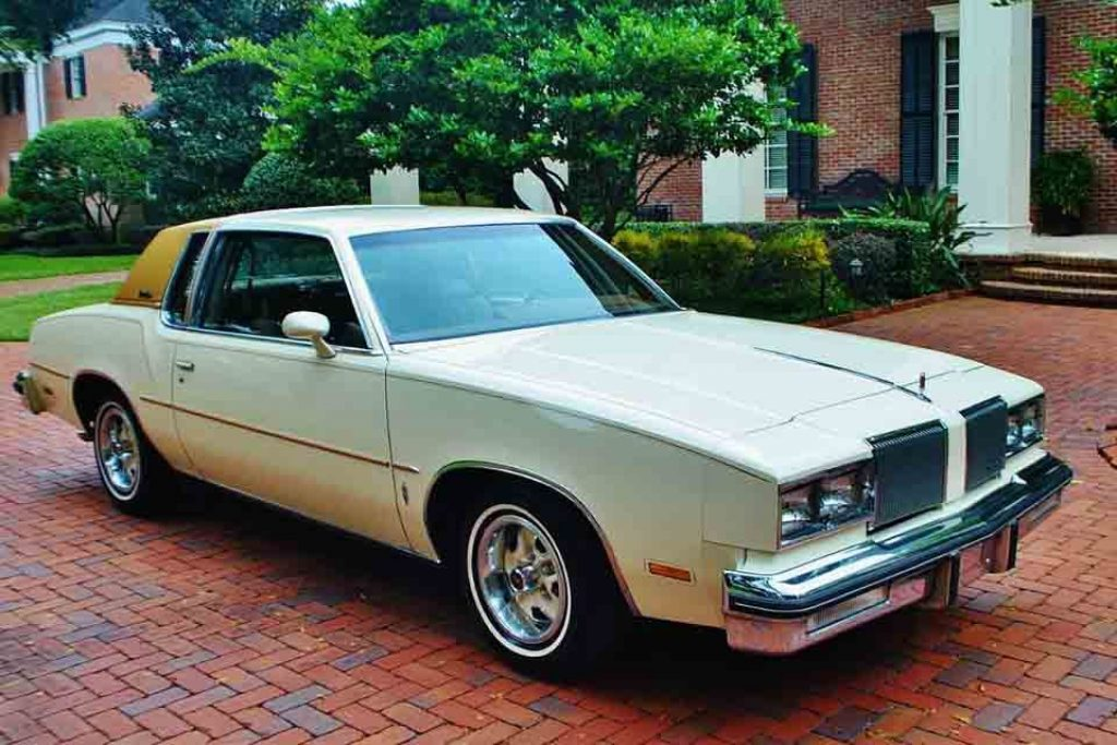1980 Oldsmobile Cutlass Supreme.